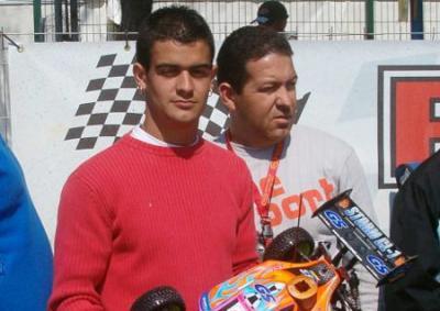 Richi Gomez leaves Axe Rossi