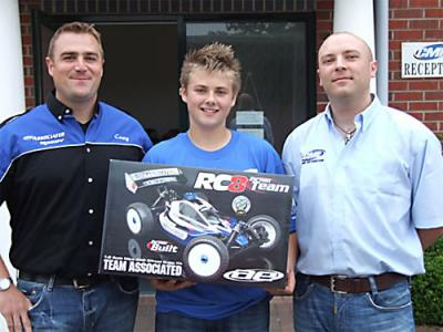 Elliot Boots joins Team Associated