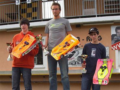 Tomaschko wins 1:8 EC-B Warm Up Race