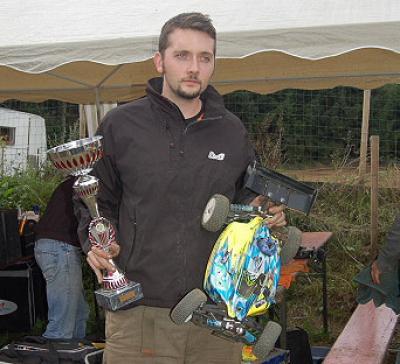 Robert Raphael wins Belgian Nats Rd4