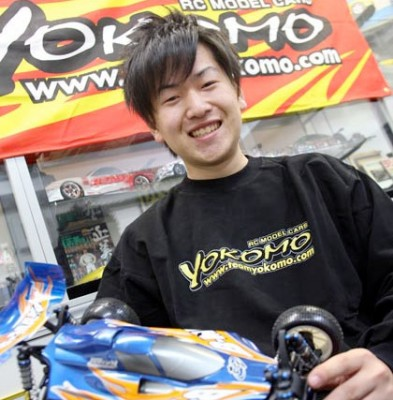 Yokomo sign World Champion Hayato Matsuzaki
