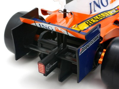 HPI RS32 & Renault R28 F1 replica