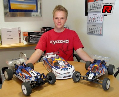 Christopher Krapp re-signs with Kyosho