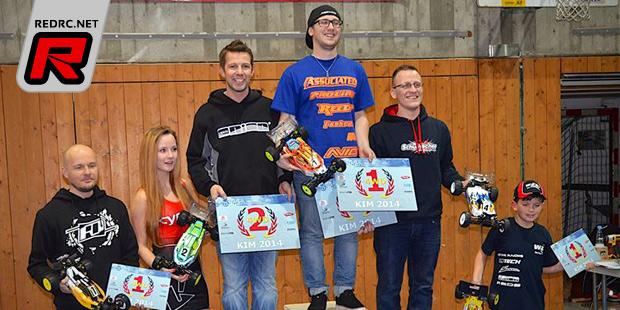 Hofer wins 4WD buggy at Köngen Indoor Masters
