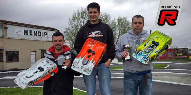 Tim Wood wins UK 1/8th on-road season opener