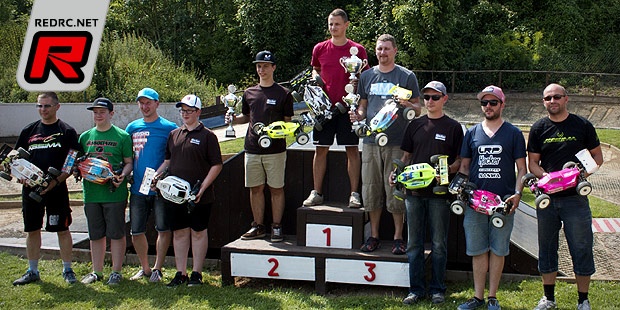 Steven Schöniger wins German E-Buggy nats warm-up