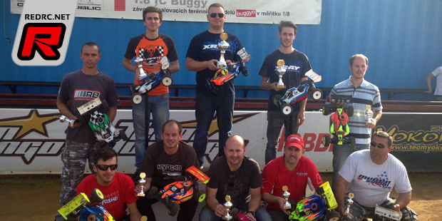 Martin Bayers doubles at Czech 1/8th buggy champs