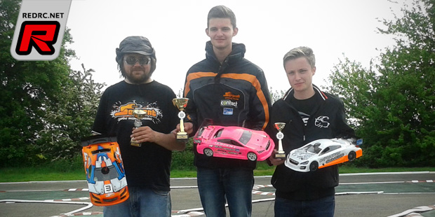 Thurston & Glyn win at BRCA 1/10th IC Track Nats Rd3