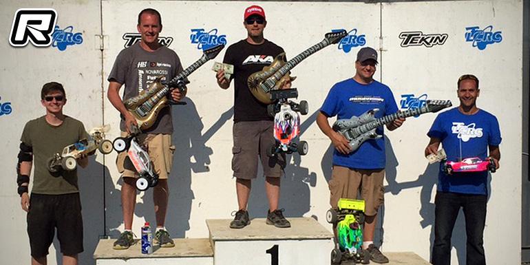 Jamie Grayek TQs & wins at Party Rock Cash Race