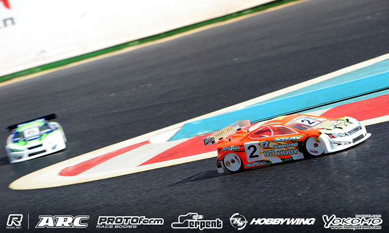 Bruno takes Q4, Volker crashes out