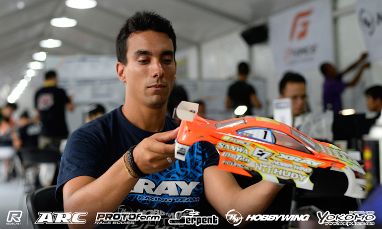 Coelho continues to top practice at WC