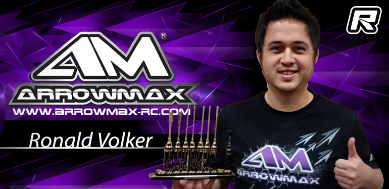 Arrowmax sign World Champion Ronald Völker